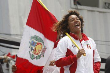 Anali-Gomez-Surfer-Peruana